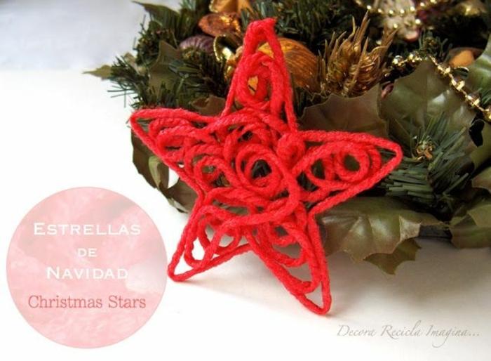 como hacer una estrella, idea original para un adorno navideño de hilo rojo en forma de estrella, guirnalda de navidad artificial