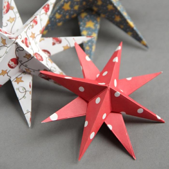 tipos de estrellas, como hacer estrellas de ocho puntos de cartón en tres dimensiones, adornos en diferentes estampados navideños