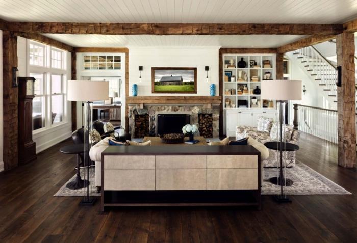 cocinas con barra, cocina abierta al salón con techo con vigas de madera, barra con encimera de madera oscura