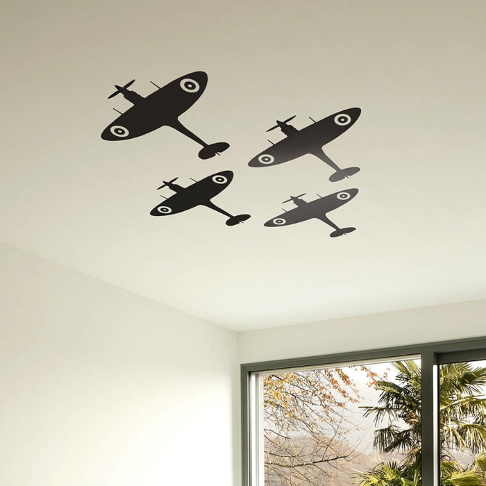 pegatinas pared, habitación con ventanales, vinilo en el techo con cuatro aviones vintage