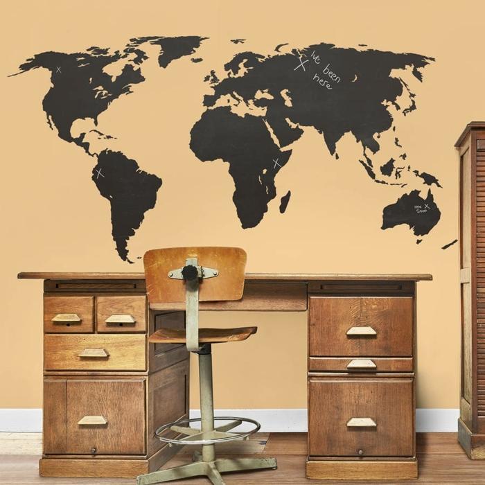 vinilos infantiles, habitación con escritorio vintage, vinilo negro mapa mundo para viajeros
