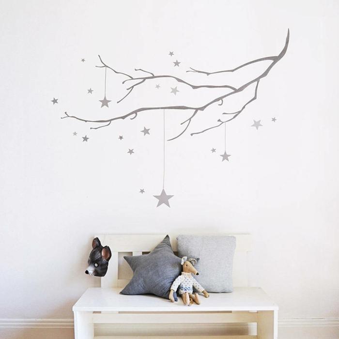 vinilos decorativos, decoración de dormitorio infantil, vinilo gris sobre pared blanca, rama con estrellas colgantes