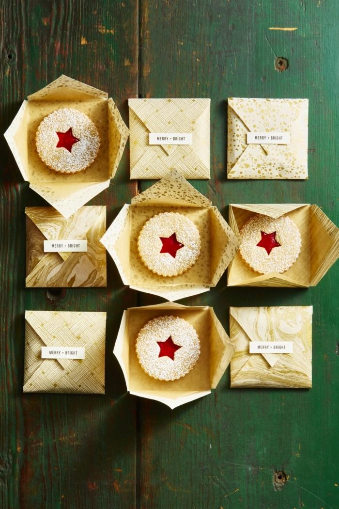 galletas de navidad, bonito regalo navideño, galleta oval con decoración de estrella, galletas empaquetadas en sobres