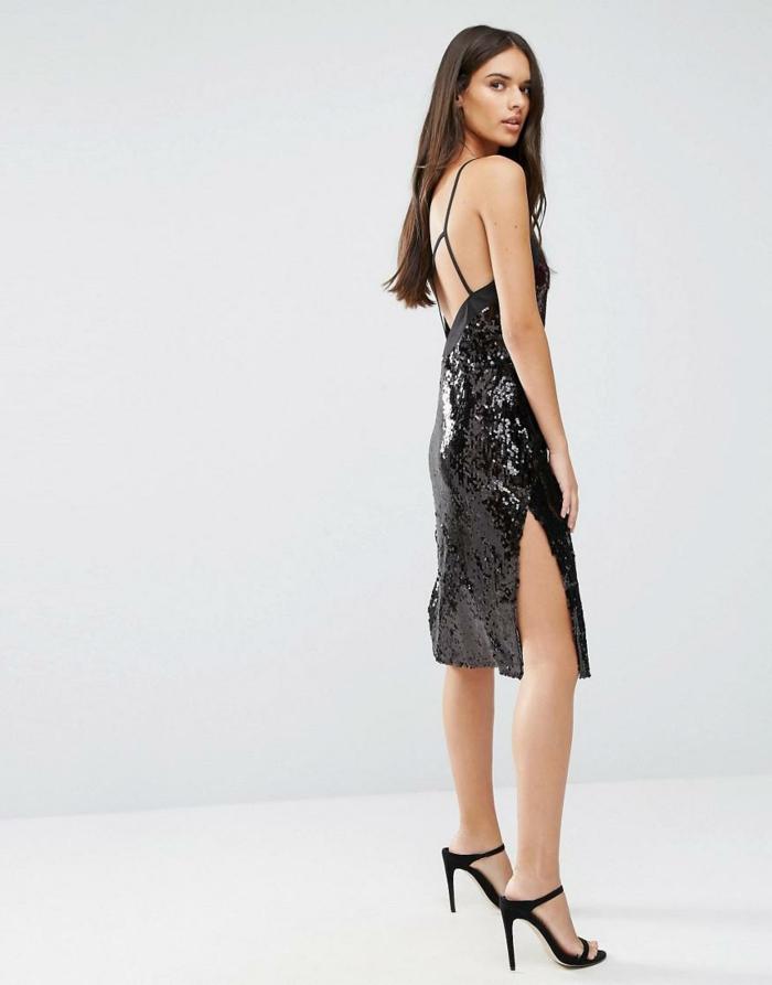 vestidos nochevieja, propuesta de vestido elegante hasta la rodilla con grande hendidura y correas finas, peinado simple, pelo largo suelto