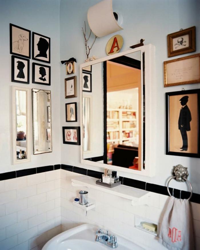 decoracion de baños, cuarto de baño ecléctico con mucha decoración, paredes en azul celeste