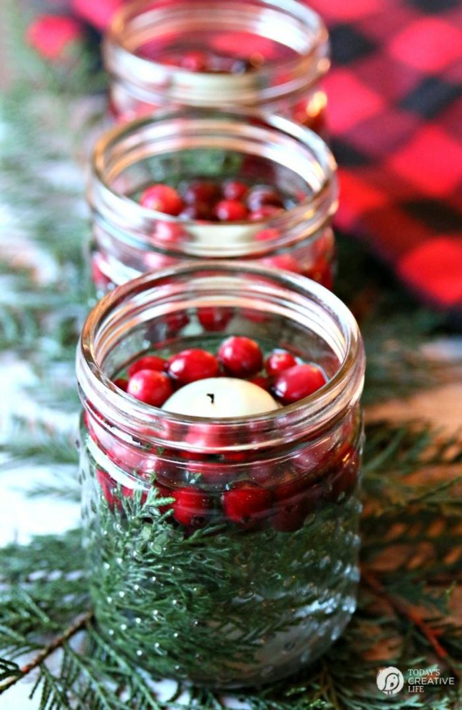 centros de navidad, pequeños frascos decorativos para la mesa navideña, manualidades con acebo