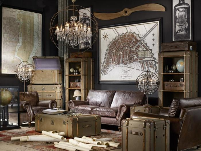 estilo, vintage, salon precioso con muebles con efecto envejecido, sofas de piel marrón, mapas viejas en las paredes