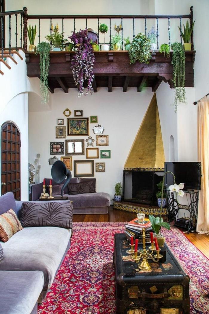 salon, propuesta en estilo bohemio, salón espacioso con techo alto, muebles vintage,decoración y alfombra bojo chic