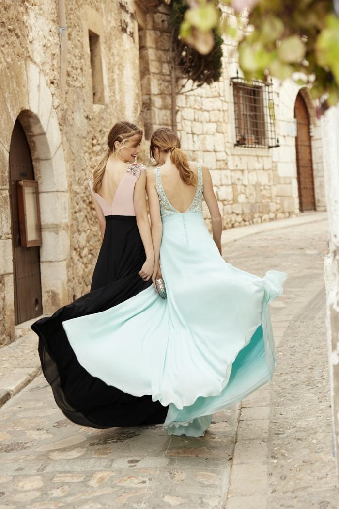 vestidos largos, dos ideas en tonos pastel, vestidos largos con espaldas descubiertas, pelos recogidos en coleta, ideas para invitadas de boda