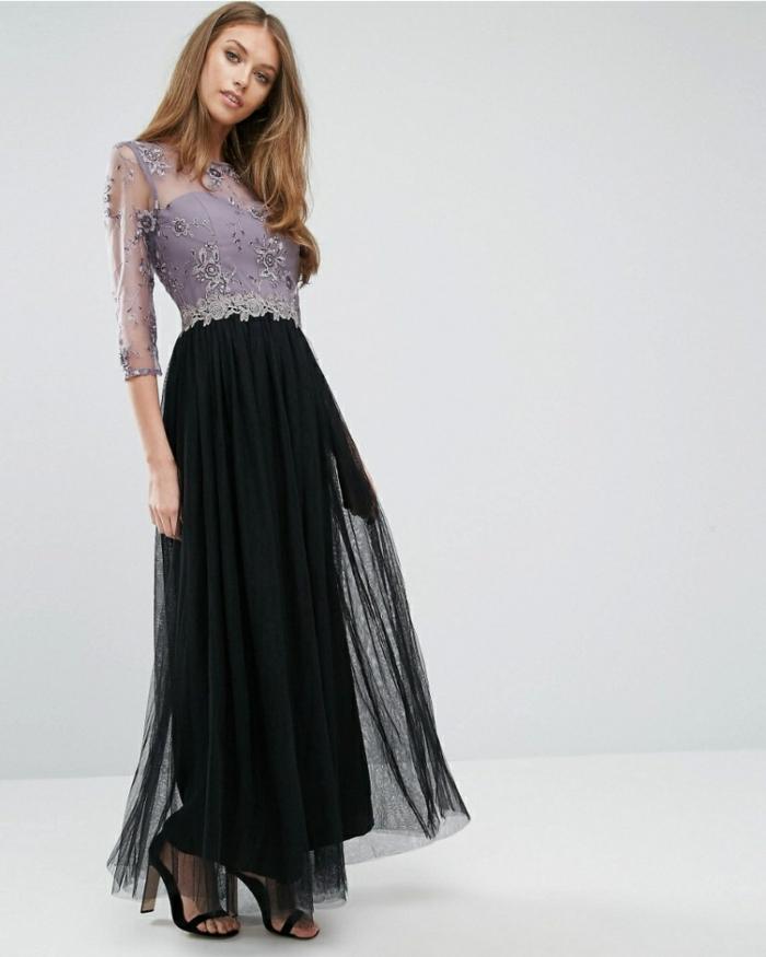 vestidos largos de fiesta, parte superior del vestido de encaje en color lila y falda de visillo negro, sandalias elegantes en negro