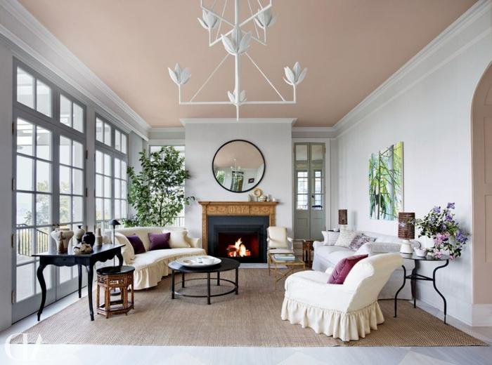 salon, salón moderno con techo en color pastel, muebles en blanco y champán, mesa de madera vintage