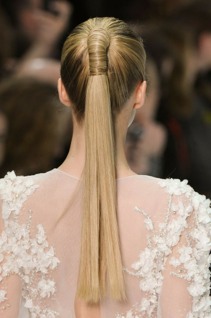 recogidos pelo rizado, pelo largo rubio recogido en coleta, cabello muy largo rubio alisado
