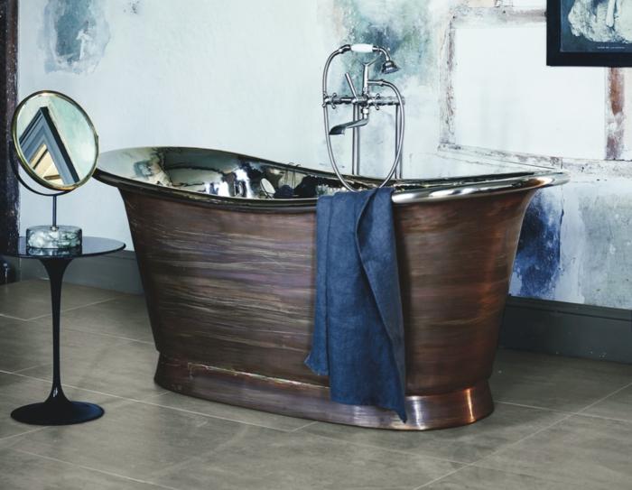cuartos de baño, idea moderna, baño ecléctico con bañera vintage, mesa moderna como mueble auxiliar y grande espejo oval