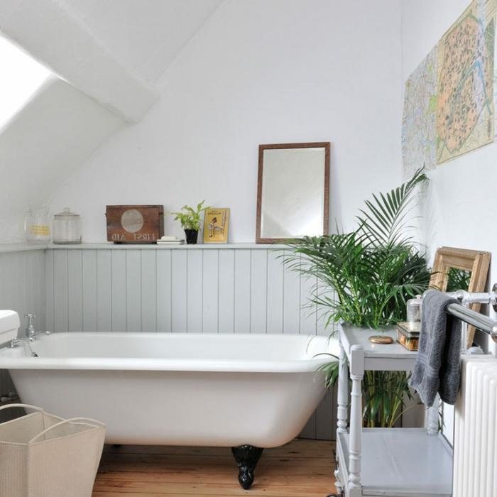 decoracion baños, cuarto de baño con decoración de plantas, estilo ecléctico, decoración moderna con bañera de patas garra vintage