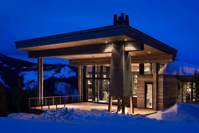 cabañitas del bosque, casa de madera de un diseño moderno en estilo minimalista, lámparas empotradas en el techo, grande veranda