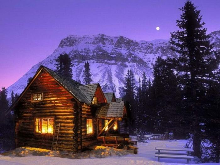 cabañas con encanto, cabaña rural acogedora hecha de leña, mucha iluminación, casa colocada en el bosque, vista montañosa