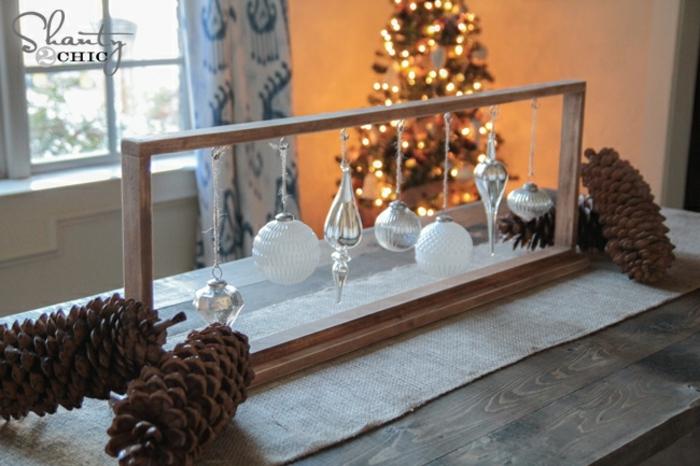 centro de mesa navideño, decoración simple y barata para la mesa de navidad, idea original casera