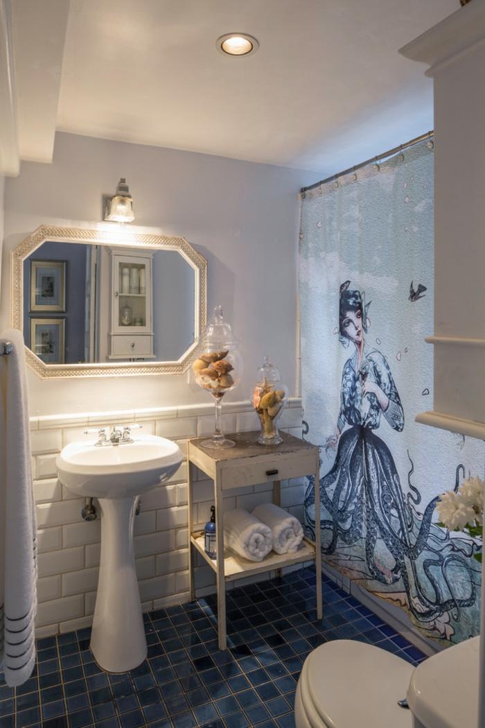 baños modernos, baño original, azulejos blancos imitación de ladrillos, decoración moderna, espejo vintage y lámparas empotradas