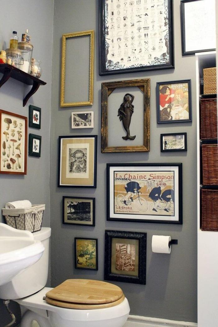 baños modernos, baño pequeño, composición de fotos y pósteres laminados, marcos en diferente estilo, aire bohemio