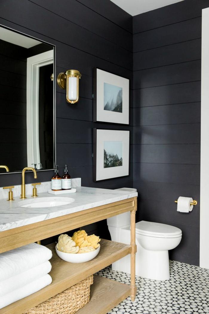 laminas decorativas, baño moderno en blanco y negro, lavabo con encimera de mármol, fotos de color con paisaje montañoso