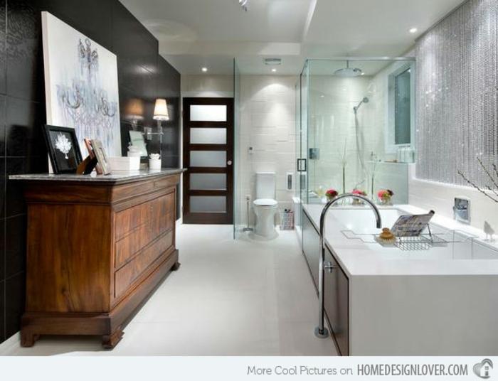 baños pequeños, baño con decoración moderna, grande armario de madera vintage, contraste en los paredes