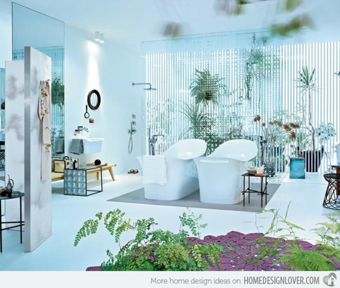 baños modernos, baño espacioso en estilo ecléctico, mucha decoración de plantas, dos bañeras modernas