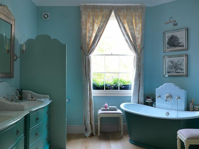 cuartos de baño modernos, baño en estilo provenzal con muebles modernos, pintado en azul suave