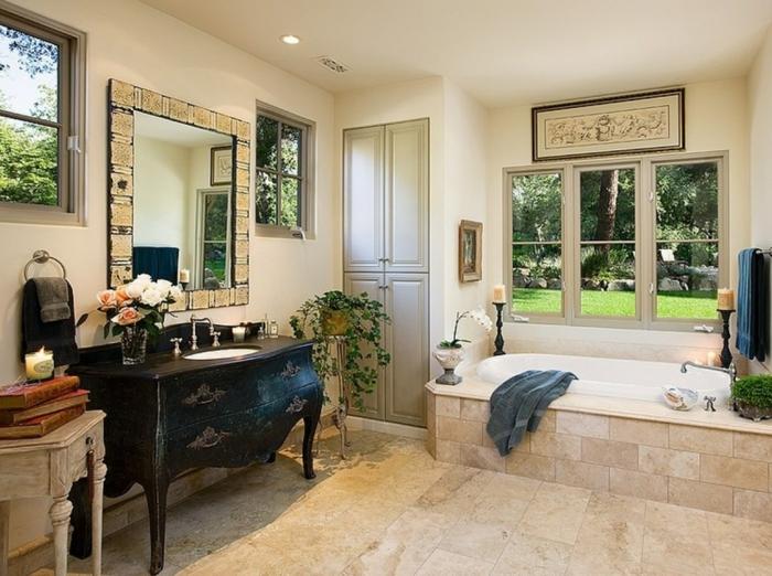 cuartos de baño modernos, baño ecléctico con detalles vintage, azulejos en beige, grande espejo retro
