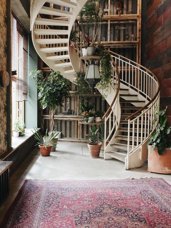 1001 ideas de originales escaleras de caracol con mucho for Escaleras de casas de lujo