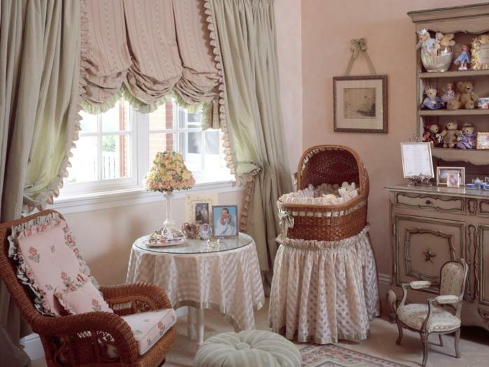 habitacion vintage, dormitorio infantil en rosado con muebles de mimbre y madera, cortinas vintage