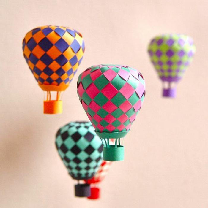 como hacer cosas de papel, pequeños globos hechos a mano con papel de colores, decoración colgante diy