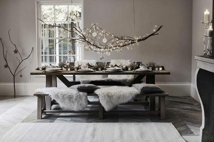 centros de mesa originales, comedor en blanco y negro, decoracion en estilo mininalista, decoración original colgante encima de la mesa hecha de ramas de árbol