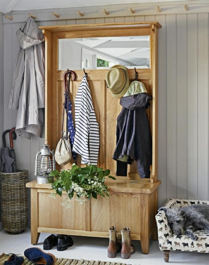 muebles recibidor, mueble recibidor de madera clara con zapatero, ganchos y espejo, taburete con estampado, canasto para paraguas