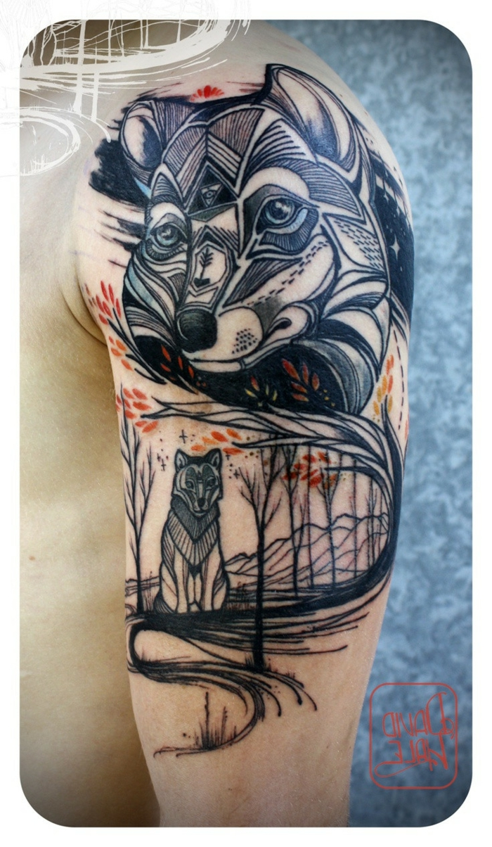 tatuajes de lobos, tatuaje masculino en hombro y brazo, estilo moderno, cabeza grande de lobo, lobo más pequeño, bosque en otoño