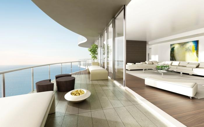 terrazas con encanto en tendencia 2018, propuesta de diseño único, grande terraza con vista al mar, muebles en estilo minimalista
