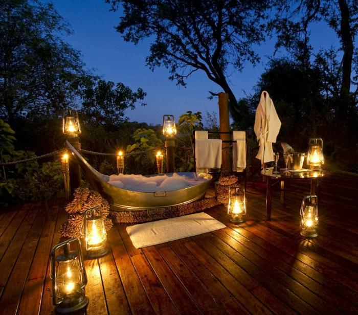 como hacer una sorpresa romántica para tu pareja, regalos para novios, viajes de ensueño para parejas, bañera en la terrasa