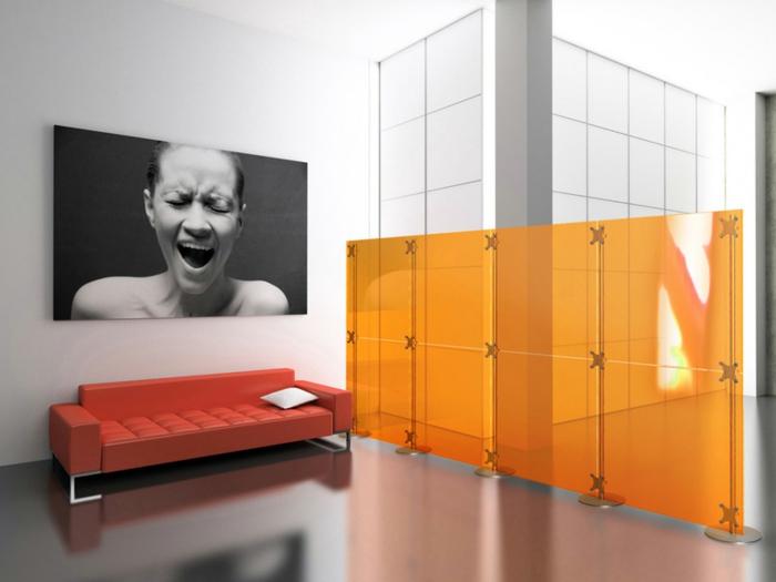 separadores, interior moderno amueblado en estilo moderno minimalista, decoración para la pared en blanco y negro, sofá tapizada en piel