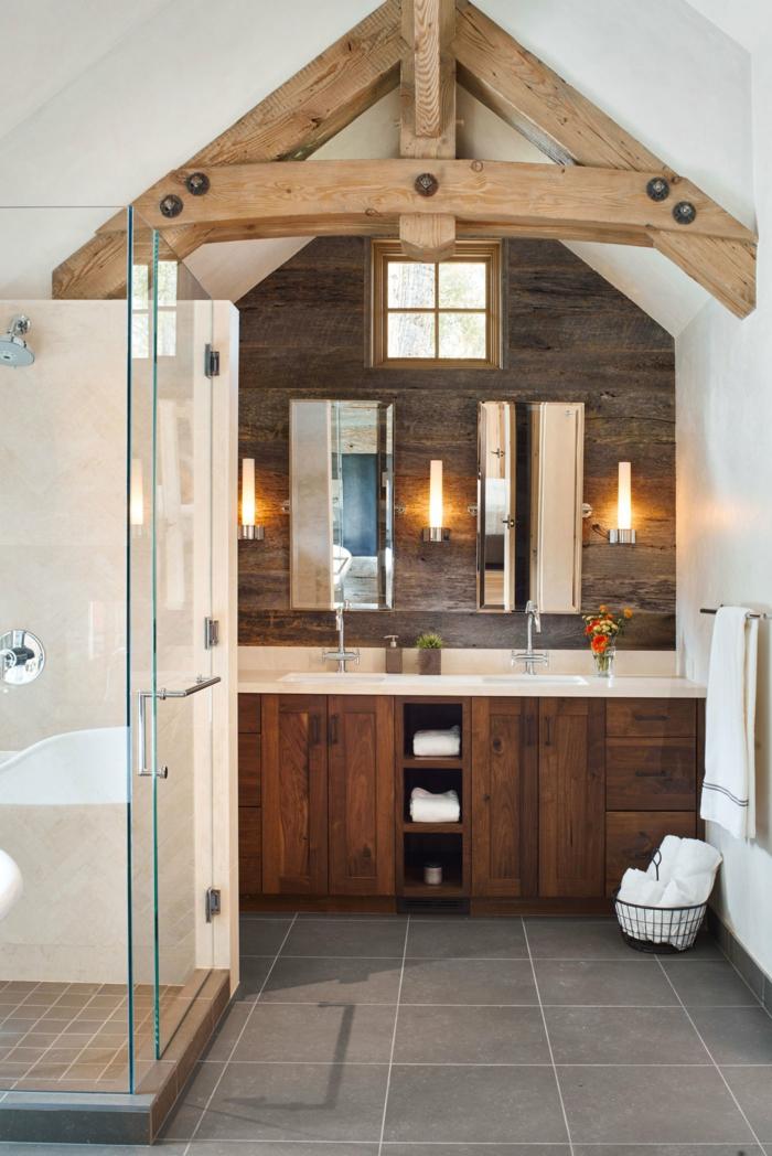 tendencias 2018 en los baños rústicos modernos, elementos con vigas de madera, armarios y cabina de ducha modernos