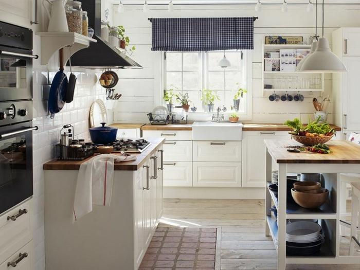 cortinas de cocina, cocina acogedora en blanco, pequeña cortina con estampado de cuadrados en blanco y azul