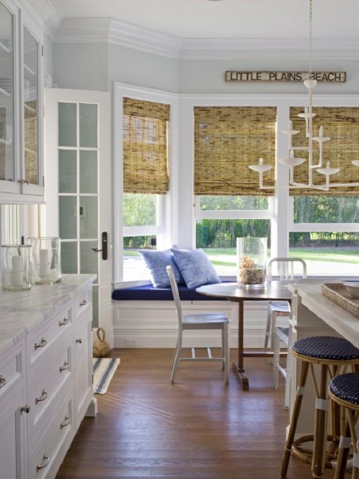 cortinas de cocina, propuesta con estores de bambu, ideales para cocinas en blanco, rincón para relac cerca de la ventana