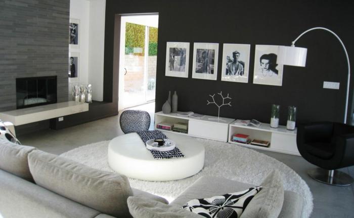 manualidades con fotos, elegante salón con muebles modernos decorado en blanco y negro, pared pintada en negro con fotografías viejas