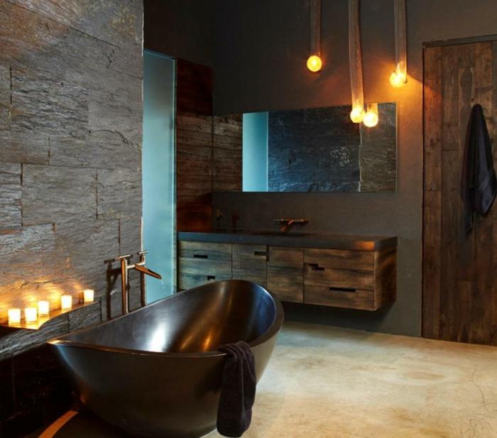 interior en colores oscuros con iluminación original y bañera vintage en marrón oscuro, baños rústicos de encanto
