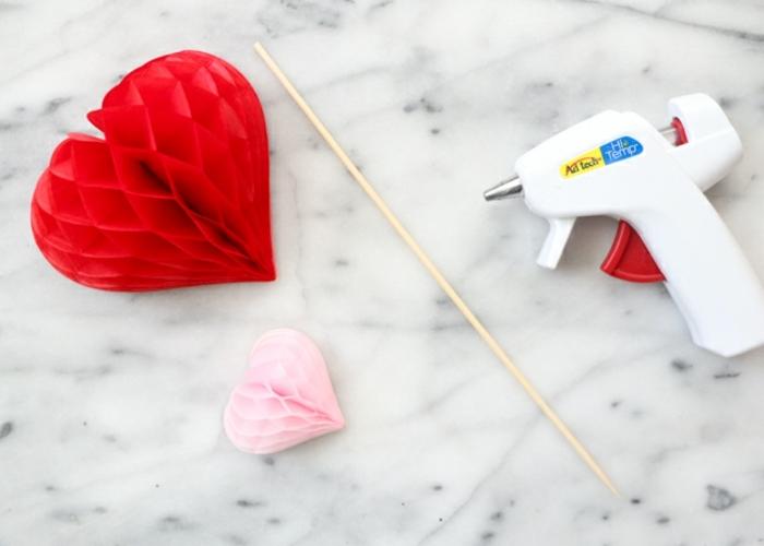 como hacer unos palillos de corazones decorativos etapa por etapa, que regalar a tu novio, corazones de papel tridimensionales