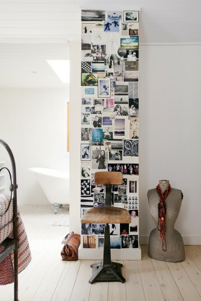 fotos originales, propuesta de encanto para un salón en estilo bohemio, pared cubierta de fotos coloridas de diferente tamaño, silla de madera vintage y suelo de madera