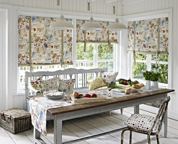 cortinas baratas, cortinas juguetonas para decorar tu cocina en estilo vintage, muebles de madera con efecto desgastado