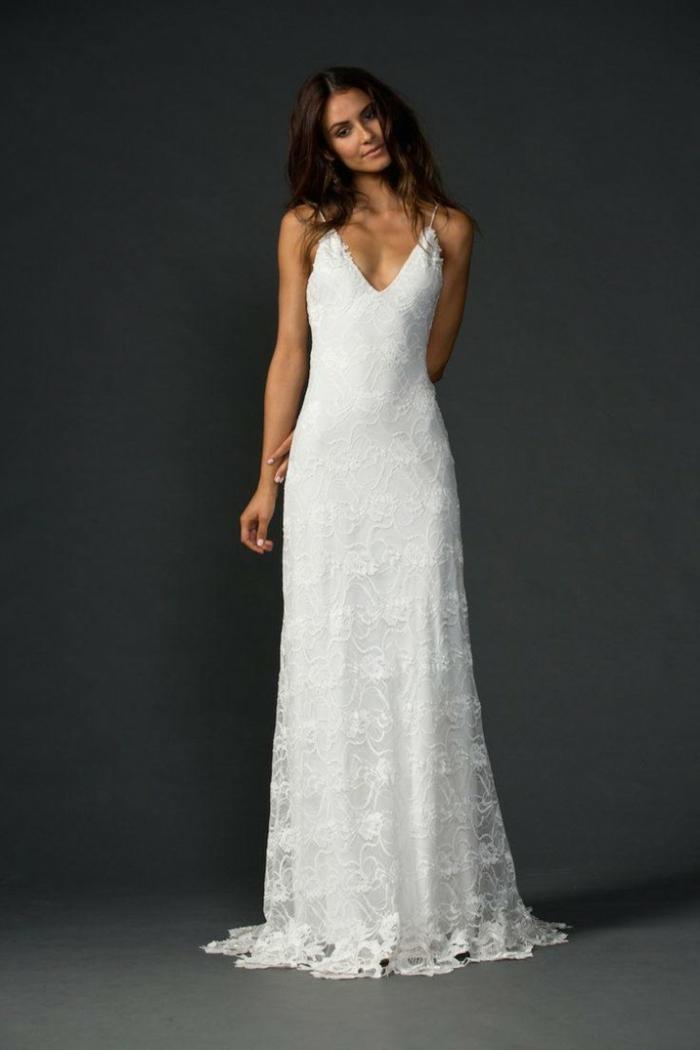 vestidos boda civil, vestido simple con motivos florales, falda de encaje y escote en v con correas finas
