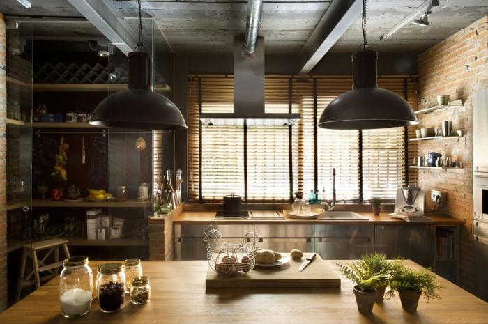 cocina acogedora en tonos cálidos, muebles cocina de madera con elementos decorativos con efecto desgastado
