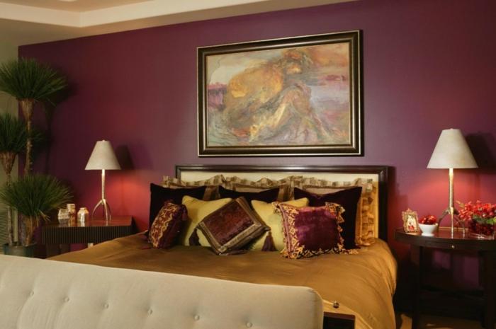 cuadros decorativos, reproducciones de pintores famosos, habitación en estilo clásico decorada en tonos cálidos