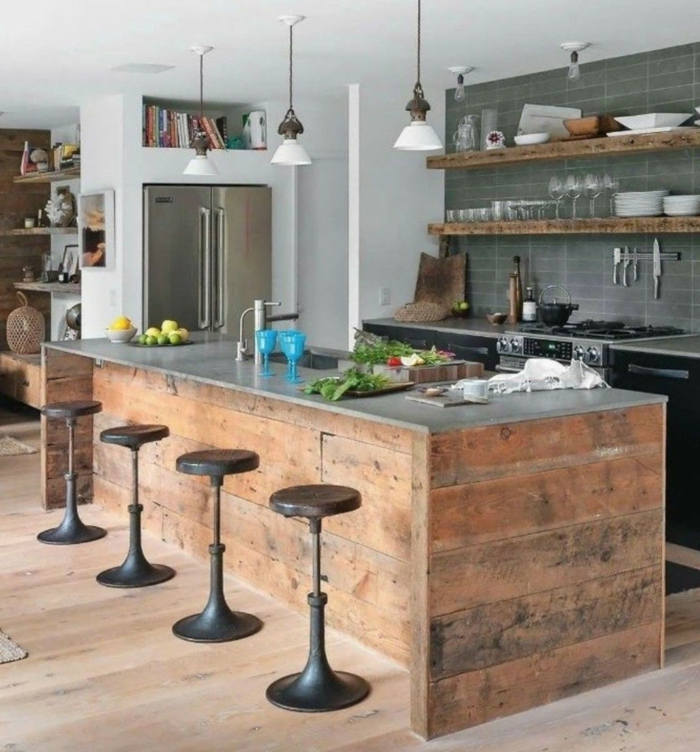 propuestas de cocinas con grandes barras, cocina comedor de encanto, barra de madera con encimera de mármol
