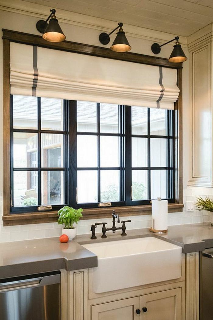 cortinas cocina, cocina moderna con muebles de madera, estores de algodón modernos, lámparas vintage de metal